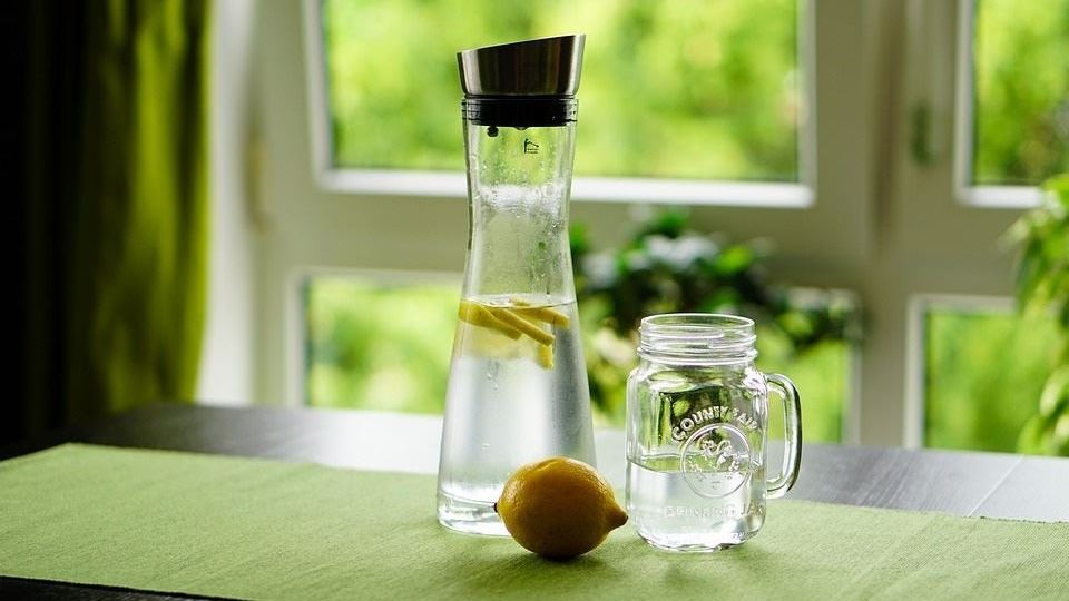 Water pitcher with lemon